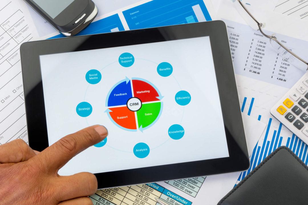Ao implementar um CRM software, você terá nas suas mãos informações valiosas para satisfazer e fidelizar seu público. Acesse esse post e fique por dentro!