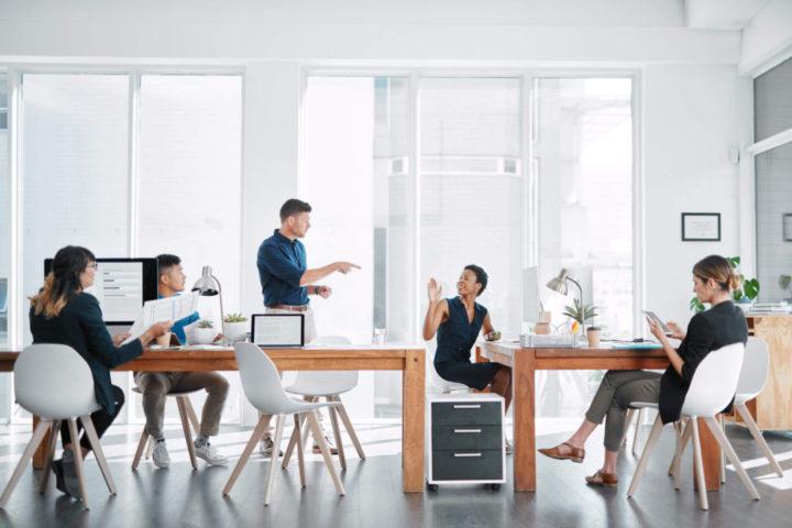 Quando a delegação de tarefas é realizada de maneira eficiente, ela impacta positivamente nos resultados do negócio e impulsiona a produtividade! Conheça!